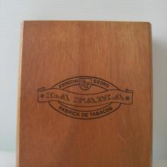 Superba cutie lemn trabucuri, lucrata manual, LA FAMA, Fabrica De tabacos, stare perfecta, de colectie/decor.