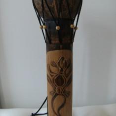 Deosebita toba africana, lucrata manual lemn decorat frumos, piele naturala. - Arta din Africa