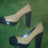 Pantofi Benvenuti, nr 36-37, bej/grej sau gri cu bleumarin, lac, noi, comozi - Pantofi dama, Piele sintetica