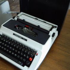 Masina de scris.