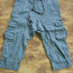 Pantaloni dama, Trei-sferturi, In - Bermude dama VERO MODA cu tur lasat noi, marimea 38 EU, S/M