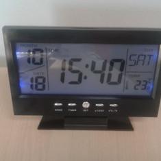 Ceas de birou cu comanda vocala cu termometru
