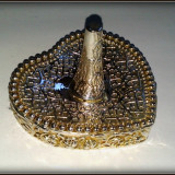 Suport pentru inele din metal argintat, in forma de inimioara