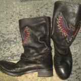 Ghete/cizme dama de piele, marimea 38, posibil 39, stil moto cu vultur brodat, Culoare: Negru