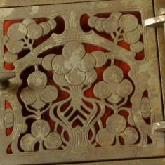Metal/Fonta - Usa Teracota - Uzinele de fier Vlahita / Judetul Odorheiu - perioada interbelica