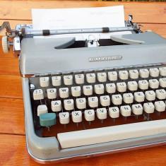 Masina de scris - Masina scris mecanica OLYMPIA COLORTIP