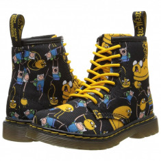Dr. Martens Kid's Collection Adventure Time Brooklee 8-Eye Lace Boot (copii) | 100% originali, import SUA, 10 zile lucratoare - z12809 - Ghete copii