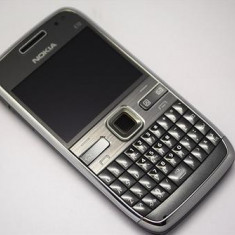 Telefon Nokia - NOKIA E71 GRI RECONDITIONAT