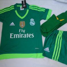 ECHIPAMENTE PORTAR REAL MADRID, COPII DE LA 10 LA 15 ANI, LIVRARE GRATUITA - Echipament portar fotbal Adidas