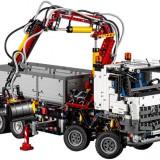 Mercedes-Benz Arocs 3245 - LEGO Technic