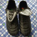 Ghete fotbal - Adidasi fotbal cu crampoane