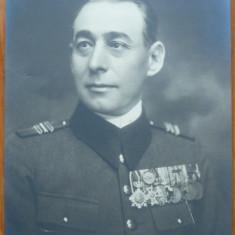 Fotografie veche - Fotografie militara, ofiter superior in tinuta de gala cu decoratii, Cernauti