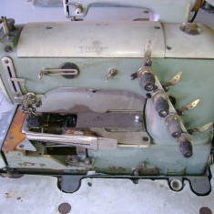 Masina de cusut industriala rimoldi de aplicat banda