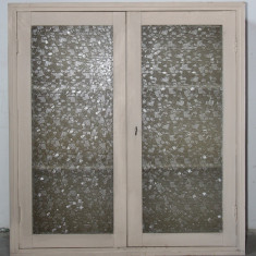 Dulap de perete; Corp suspendat cu polite si geamuri - Bucatarie standard