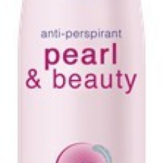 NIVEA DEODORANT SPRAY PEARL & BEAUTY - Antiperspirant