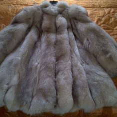 Haine dama - Blana scurta de vulpe argintie. Perfecta pentru doamnele distinse.