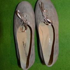 Pantofi fete / femei, marime 35, piele intoarsa, cafeniu deschis/bej, Cadenzza - Balerini dama