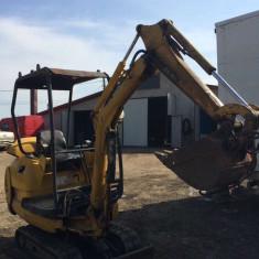 Utilitare auto - Buldoexcavator Komatsu