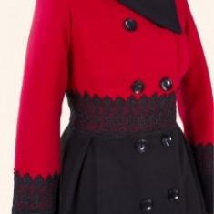 Palton dama, stofa cu broderie, captusit, inchidere nasturi, rosu