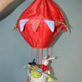 Jucarie bebe de agatat, balon cu 3 animale: iepure, broasca si magar; 48 cm