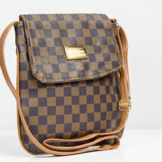 Geanta / Borseta de umar Louis Vuitton LV + Cadou Surpriza - Geanta Dama Louis Vuitton, Culoare: Din imagine, Marime: One size, Asemanator piele