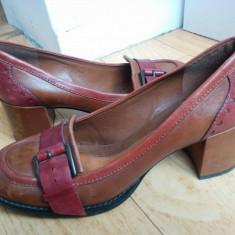 Pantofi dama - Pantofi din piele firma Clarks marimea 39, arata ca noi!