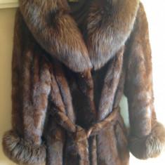 Haine dama - Haină de blană nurcă, guler vulpe
