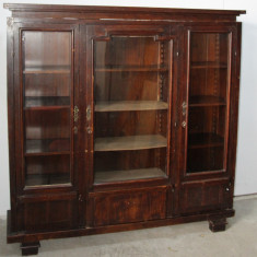 Biblioteca vintage din lemn masiv; Dulap cu polite; Vitrina; Sifonier - Mobilier, 1900 - 1949