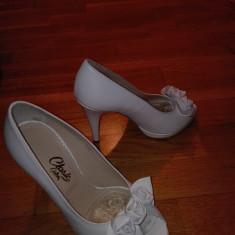 Pantofi de piele albi, mireasa sau diferite ocazii, marca Guban - Rochie de mireasa sirena