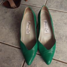 PANTOFI BRENDA ZARO, PIELE NATURALA. VERZI. MARIME 37 1/2 - Pantof dama, Culoare: Bej