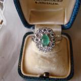 DEOSEBIT INEL AUR ALB 14KT-(ANTOURAGE)- CU BRILIANTE SI SMARALD-SUPERB - Inel diamant