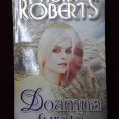Roman dragoste - Nora Roberts - Doamna furata - 507107