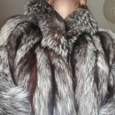 Palton dama - BLANA VULPE ARGINTIE LUNGA, SPLENDIDA!