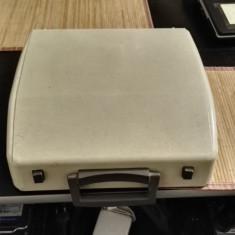 Masina de scris fara capac