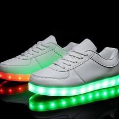 Adidasi luminite - Adidasi dama, Marime: Alta, Culoare: Alb