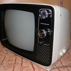Televizor vechi vintage retro din anii '70 marca Universum alb-negru functional - Televizor CRT