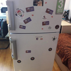 Frigider ARCTIC mare cu congelator cauta casa noua!