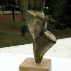 Nud abstract statuie sculptura in bronz pe soclu de marmura statueta, Europa