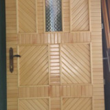 Usi de lemn