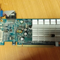 Placa Video Gigabyte GeForce 7200GS 256Mb PCIe - Placa video PC Gigabyte, PCI Express, nVidia