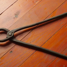 Scule / unelte - cleste vechi de fierarie realizat la forza si nicovala !!!!! - Metal/Fonta