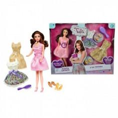 Papusa Violetta muzicala cu doua rochii si accesorii Simba, Plastic