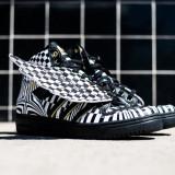 Adidas Jeremy Scott Wings Opart - marimile 40, 40 2/3, 41 1/3, 44 - Adidasi barbati, Culoare: Negru, Nero, Piele naturala