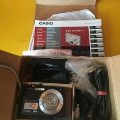Vand Aparat foto Camera foto Casio EX-Z1080 la cutie impecabila cu tot pachetul de accesorii, 10 Mpx, Compacta, 5x-8x, 3x-5x, CCD